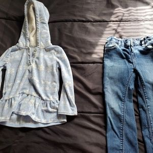 girl 3t skinny jeans GAP and hooded top